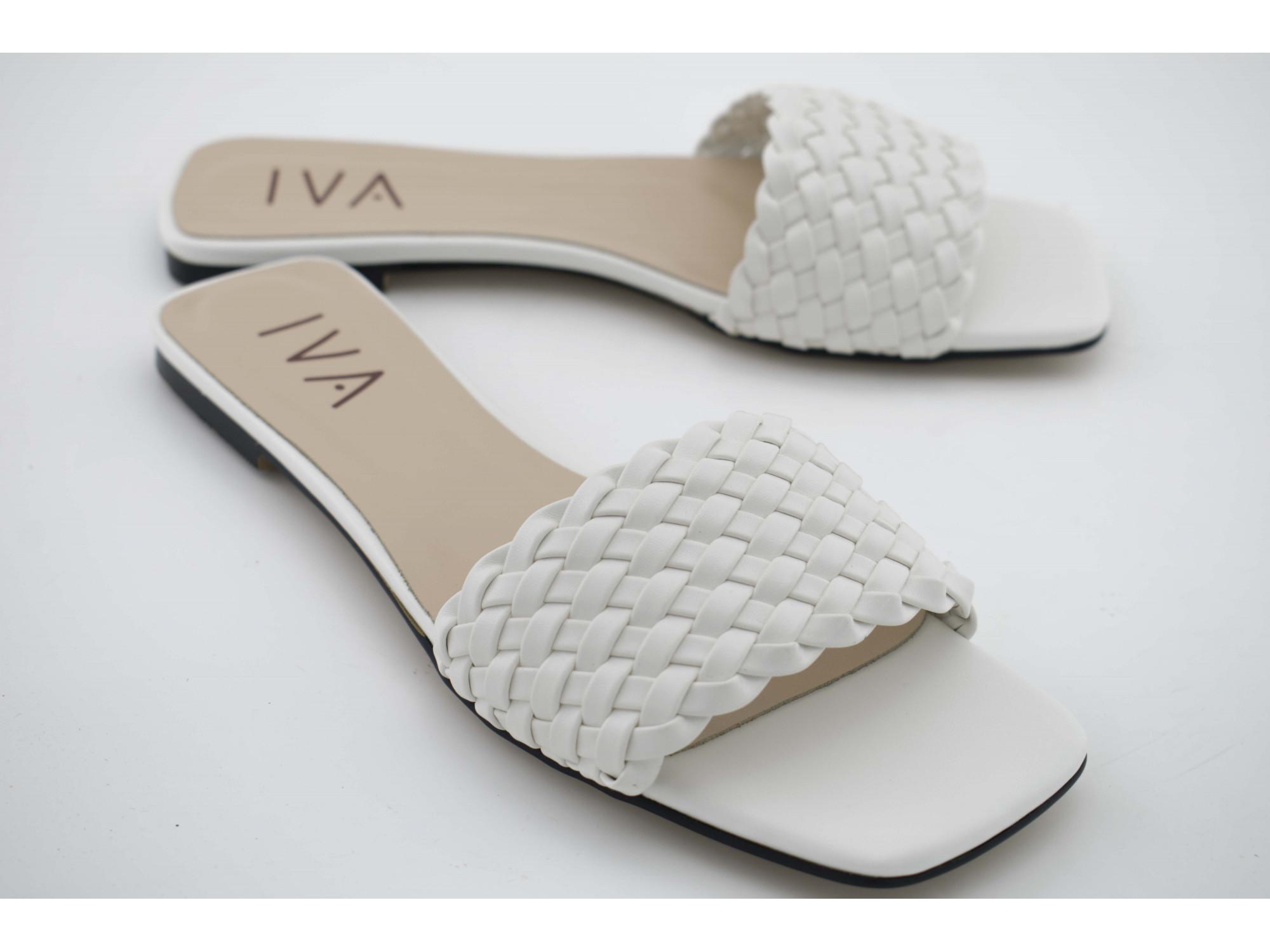 Шлепки IVA BL2047 Белые